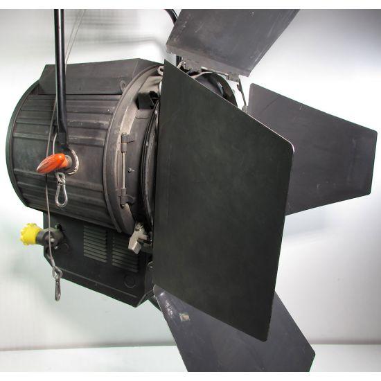 Used | Strand - Vega 10.000W Fresnel